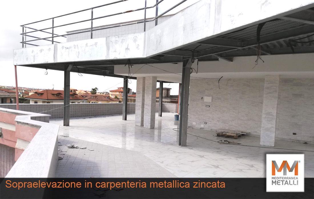 Sopraelevazione-con-scala-a-chiocciola-03